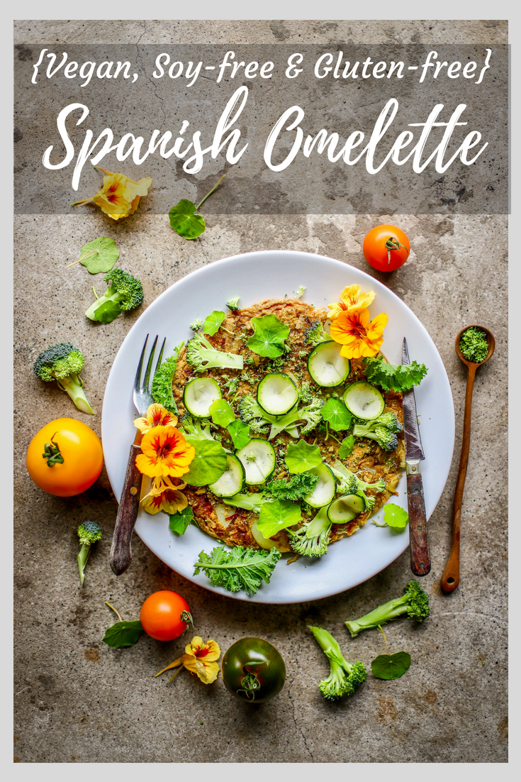 Fantastically easy, egg-free #omelette tarted up with green olive tapenade and vegetables, including optional green vegetable powder. Delicious warm or cold for #breakfast, #brunch, #lunchbox and #dinner. Naturally #glutenfree, soy-free and #vegan.
