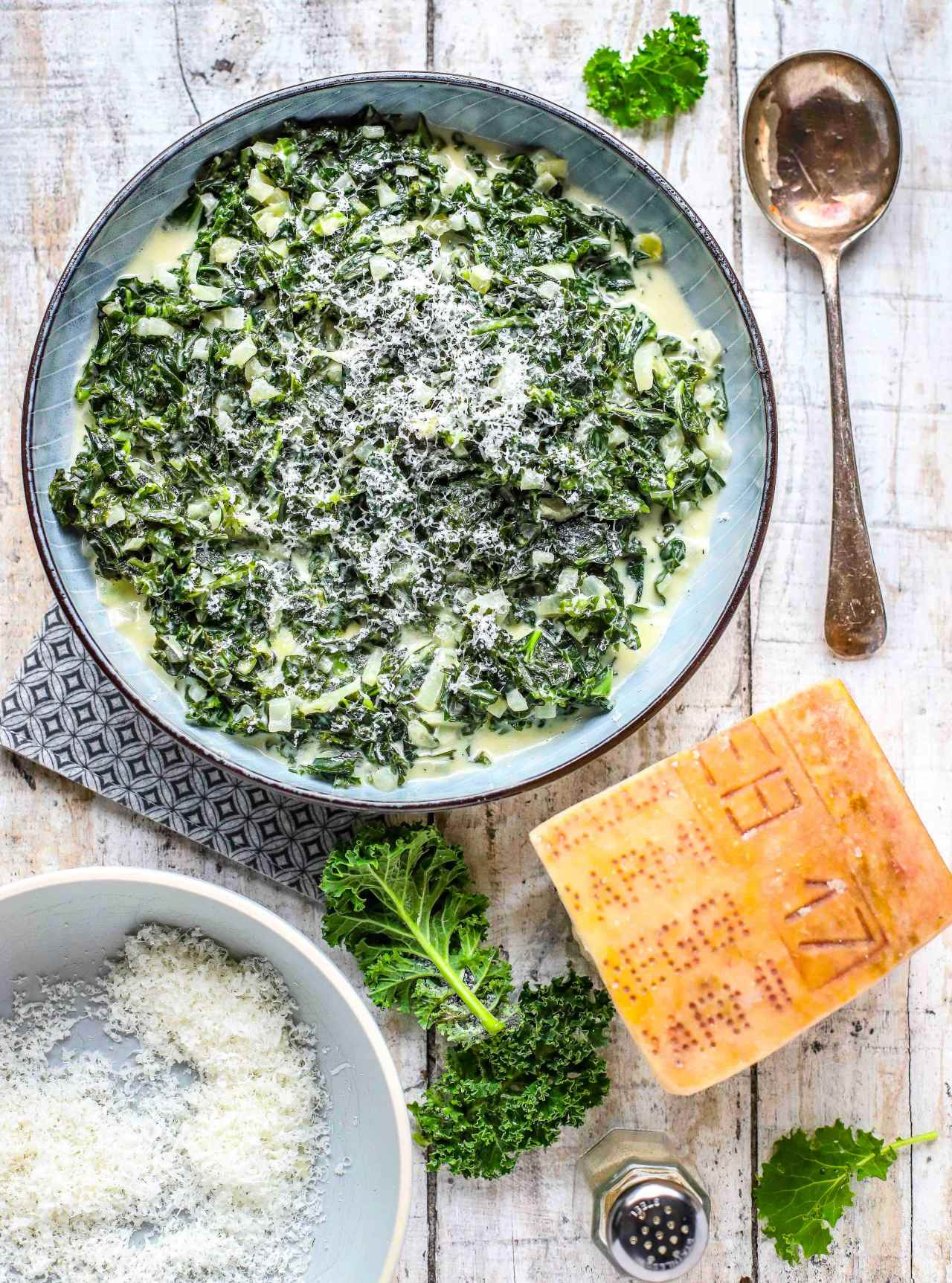 Parmesan Creamed Kale for a festive and slightly decadent #sidedish. #kale #parmesan #christmasfood #parmigianoreggiano #easyrecipe