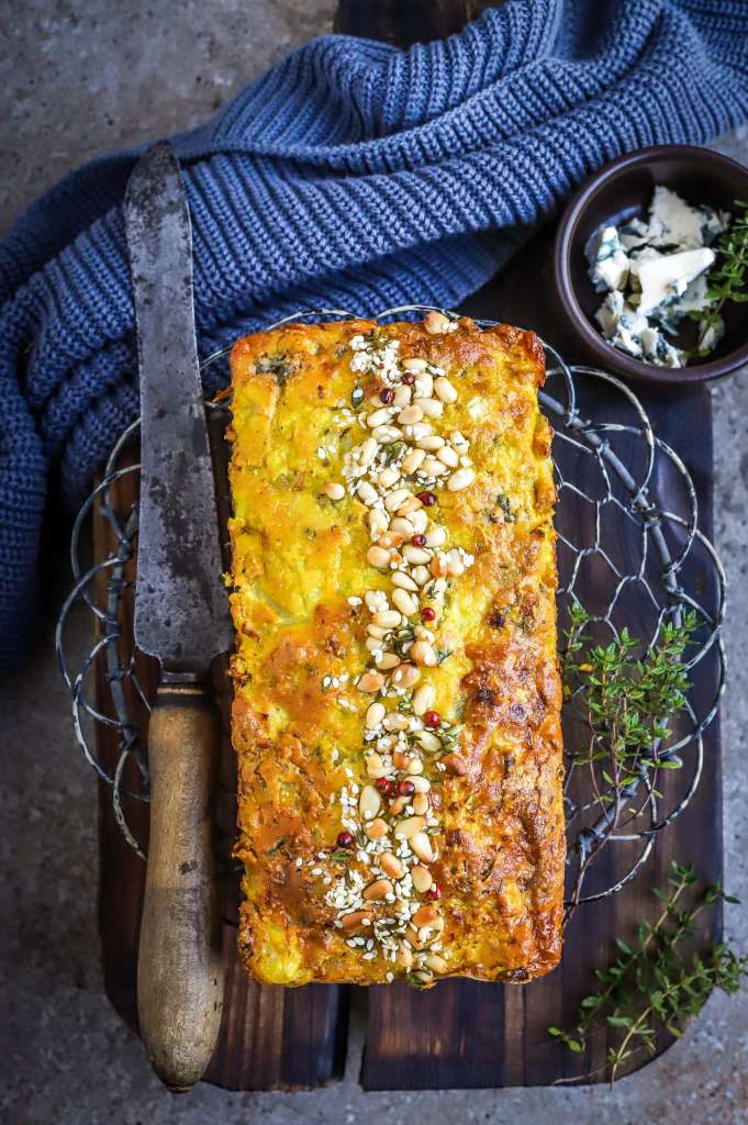 blue cheese and cauliflower cake