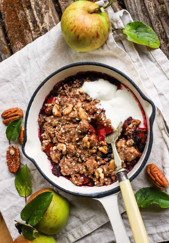 apple-berry-crumble-lowercarb