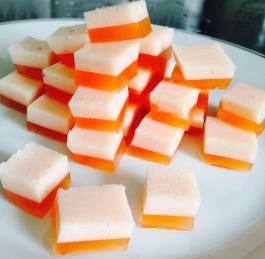 Jelly Sweeties (4 syns). Recipe here: https://kellsslimmingworldadventure.wordpress.com/2015/06/20/recipe-jelly-sweeties/