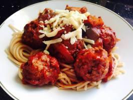 Italian Meatballs in Tomato Sauce. Recipe here: https://kellsslimmingworldadventure.wordpress.com/2015/06/26/recipe-italian-meatballs-in-tomato-sauce/