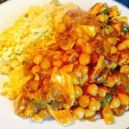 Cheat's Chicken Curry In A Hurry. Recipe here: https://kellsslimmingworldadventure.wordpress.com/2015/07/18/recipe-cheats-chicken-curry-in-a-hurry/