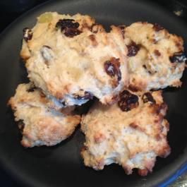 Fruit Scones (4 syns each). Recipe: https://kellsslimmingworldadventure.wordpress.com/2016/05/24/recipe-fruit-scones/