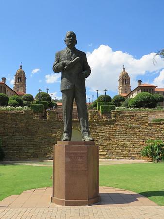 Barry Hertzog Statue