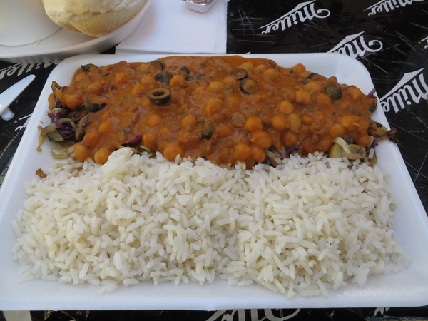 My chickpea curry with olives and mushrooms