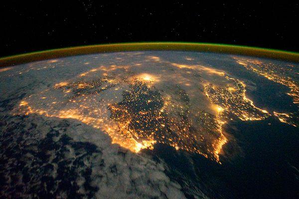 space176-iberian-peninsula-at-night_46324_600x450