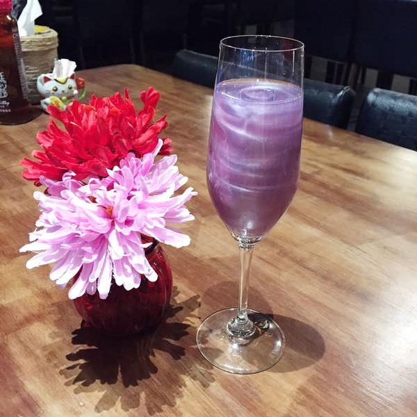 【高雄】MORE WORLD河畔異國餐廳│愛河河畔約會聚餐勝地,來一杯美到翻掉的銀河星空酒!