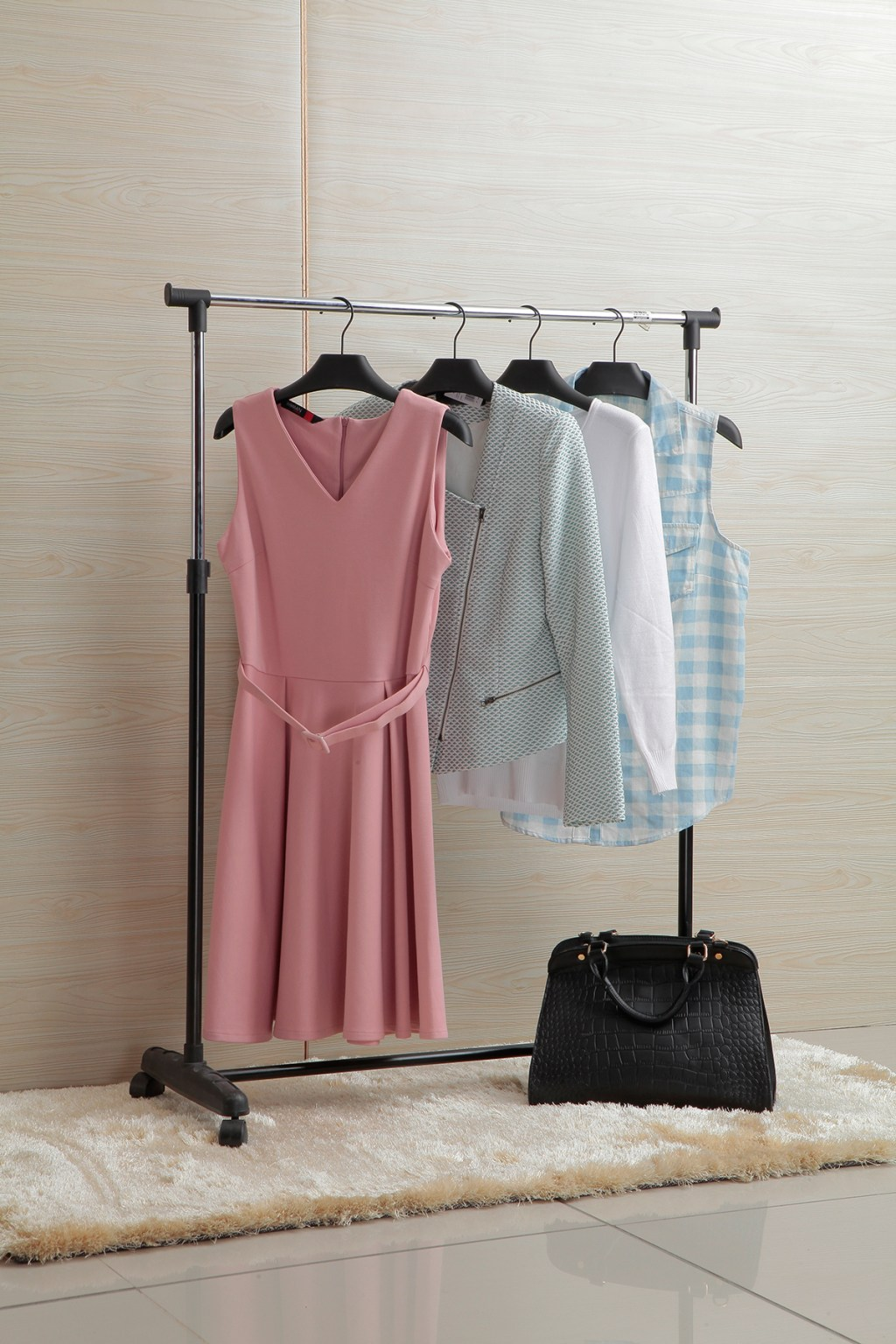 Single-Clothes-Rack