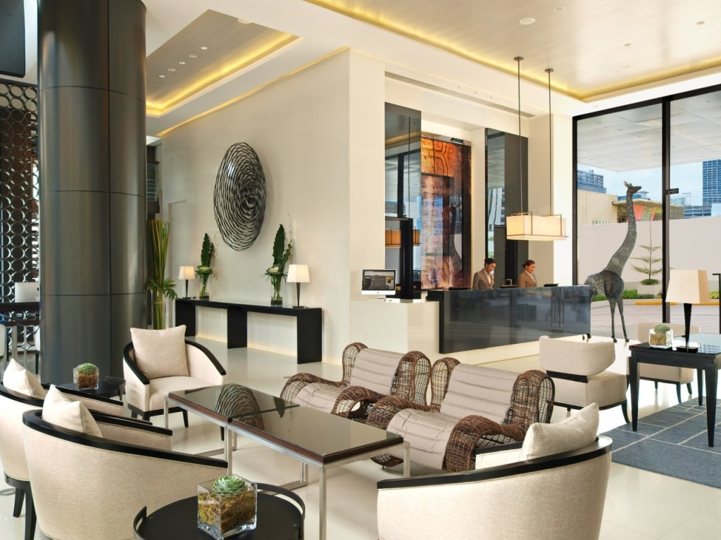 Seda-BGC-Hotel-Philippines-Lobby