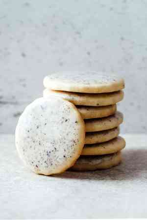 Lavender sugar cookies with Earl Grey glaze