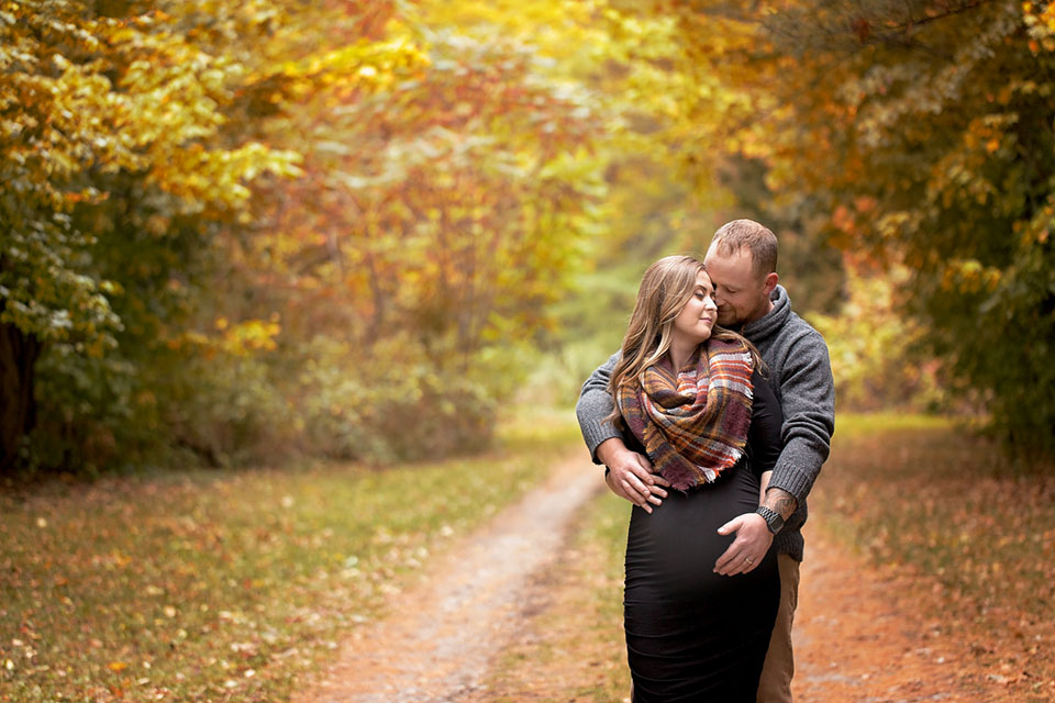 Professional maternity photography in Sutton West Ontario