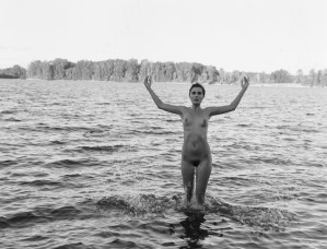 fashion-nude-water-fine-art-roarie-yum-kelly-segre-09