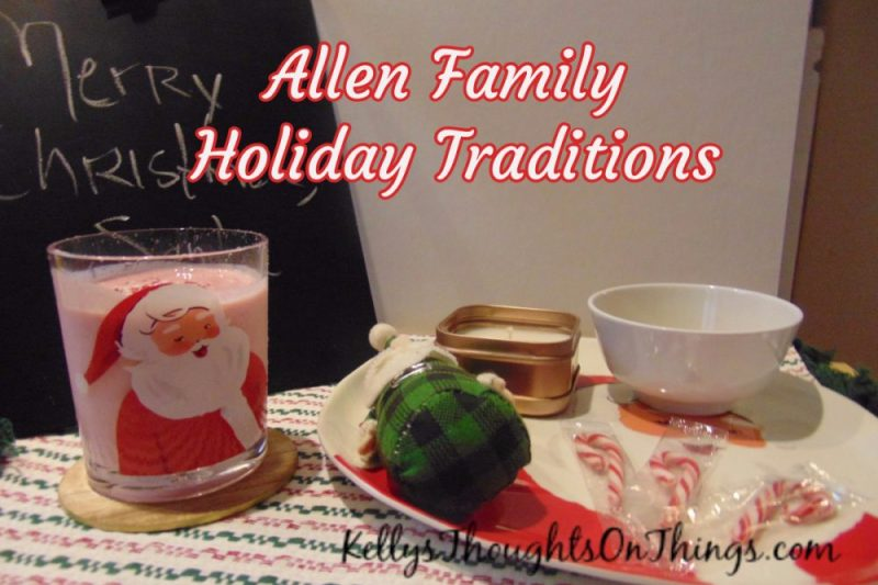 Our New #HolidayTraditions Santa Smoothie (recipe and giveaway)