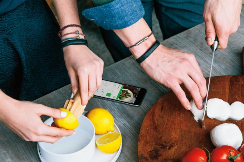 Sleek and Stylish Fitness Tracker Jawbone