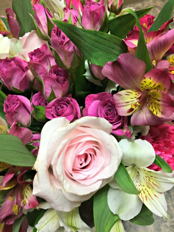 Teleflora Honors Breast Cancer Awareness Month Year-Round