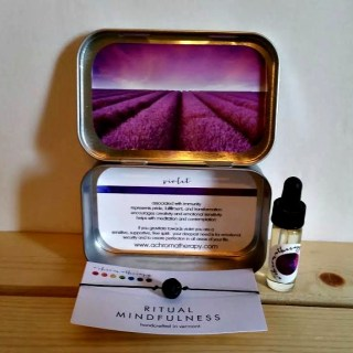 Give Her Mindfulness and Aromatherapy with a'chromatherapy® This Holiday Season