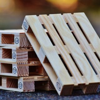 When is it Best to Use a Second Hand Pallet instead of a New Pallet?