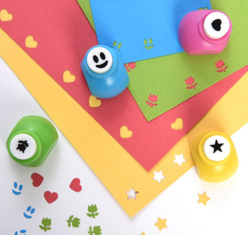 "Why not transform Crafts into Works of Art with the Polaroid mini photo puncher for 2x3"" premium Zink photoprint projects"