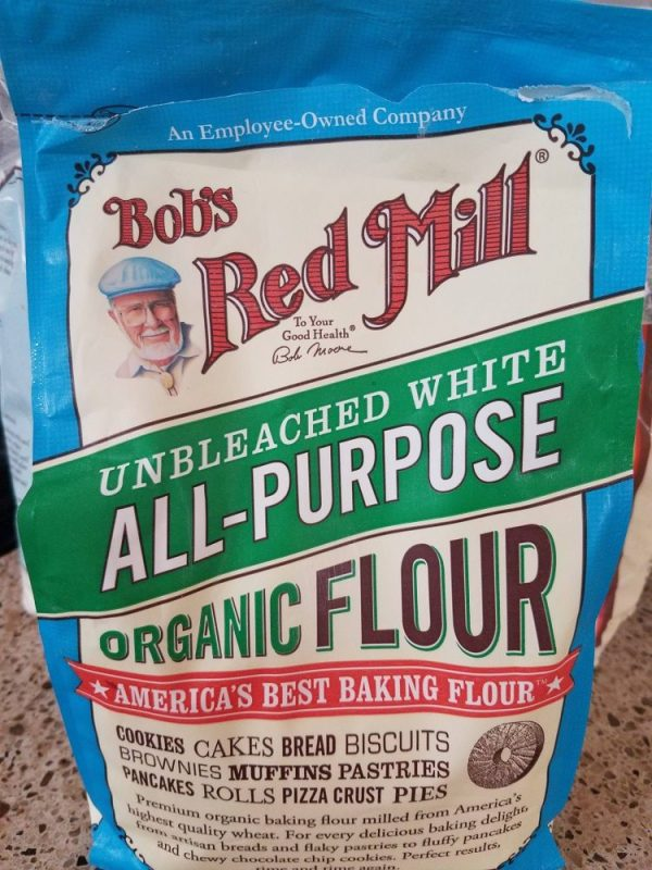 Bob's Red Mill provides premium baking flours, no matter what kind of diet you follow. Their Organic Unbleached White Flour i