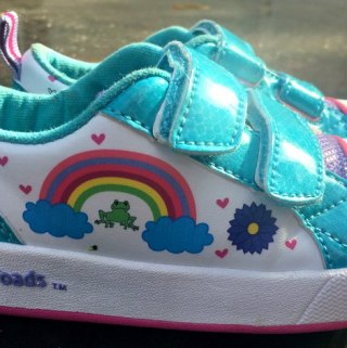 Check out these Paintable and Light-Up Sneakers for Your Kiddo