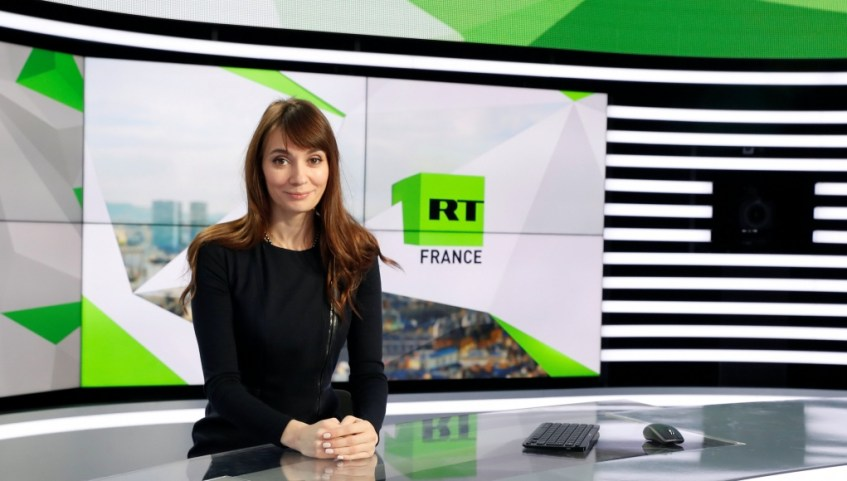 omgnews_FRANCE-RUSSIA-INFLUENCE-1021x580