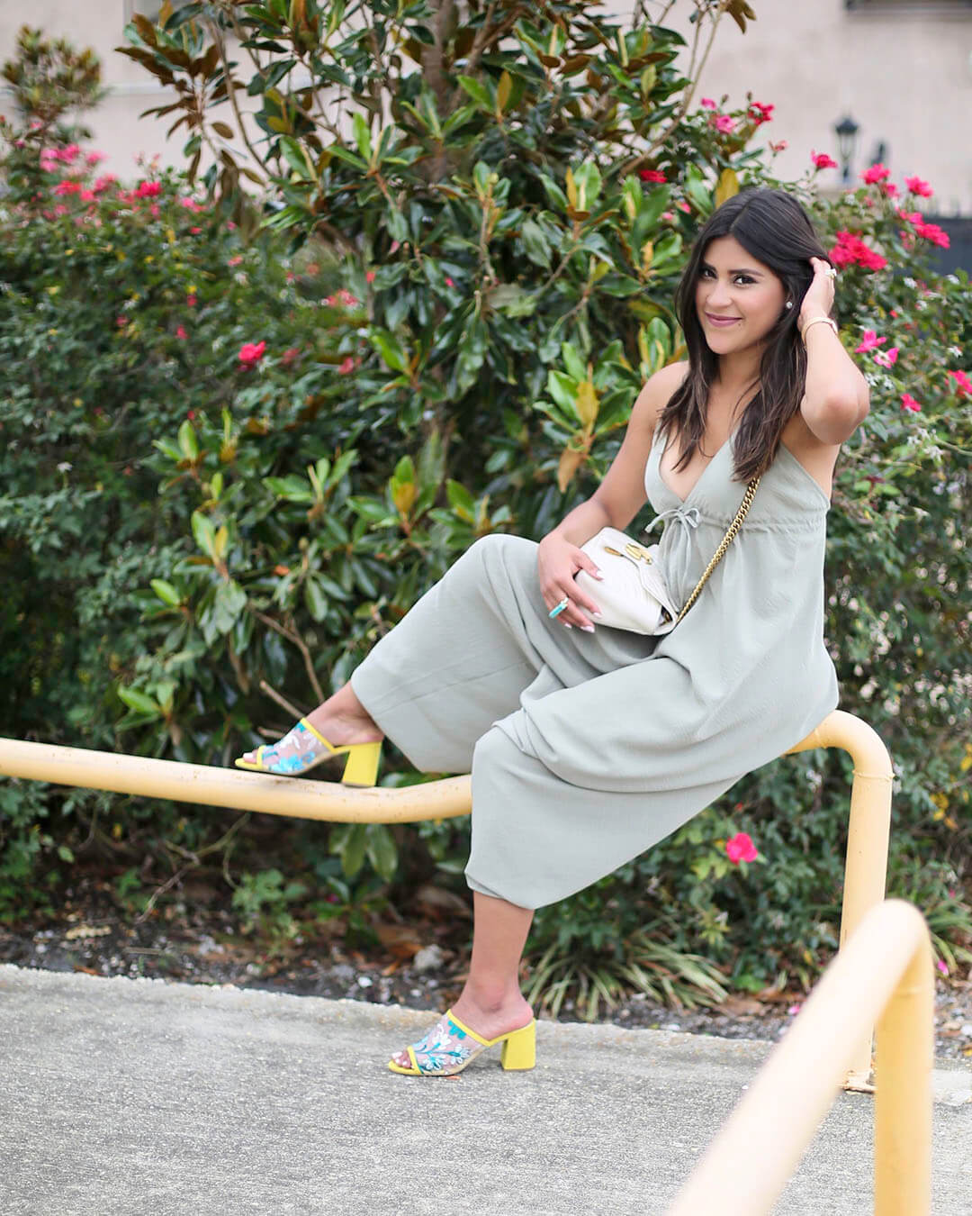 Lifestyle blogger Kelsey Kaplan of Kelsey Kaplan Fashion wearing gucci purse and seychelles mules