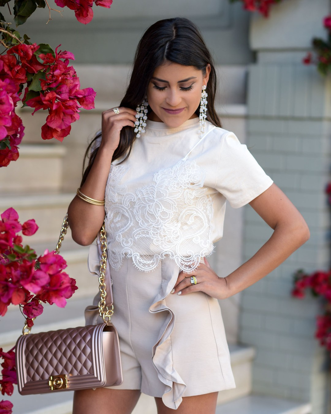 Lifestyle blogger Kelsey Kaplan of Kelsey Kaplan Fashion wearing monochrome outfit and Stuart Weitzman Rosist Sandals