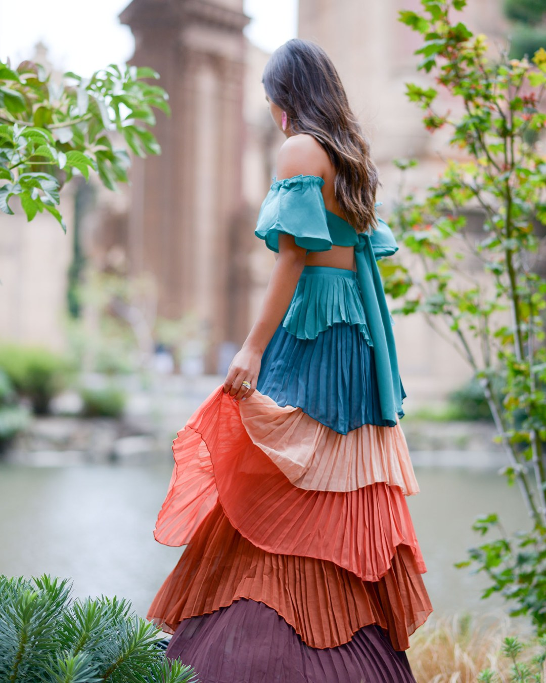 Lifestyle blogger Kelsey Kaplan of Kelsey Kaplan Fashion wearing VICI two piece set