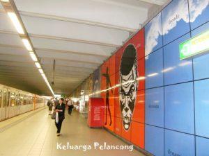 salah-satu-stasiun-metro-di-brussels