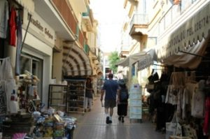 Beli suvenir di Nikosia, Siprus