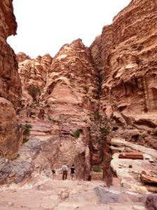 Nanjak menuju Monastery