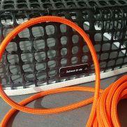 kelvin et lumen luminaires lampe à poser maille ostréicole cordon orange ampoule LED salon séjour