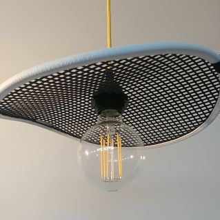 kelvin et lumen luminaires suspension maille ostréicole douille bakélite cordon jaune ampoule LED chambre cuisine séjour entrée salle à manger
