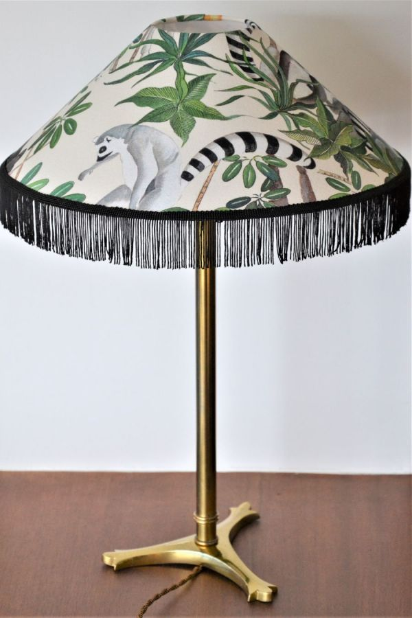 abat-jour parasol avec franges lampe de créateur fabriqué en bretagne france côtes d'armor 22 par un fabricant de luminaires