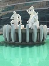 img_4022-dg-statue1