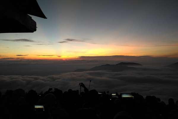 Solo Traveling Ke Dieng Melihat Matahari Terbit Pertama 2018 Di Sikunir