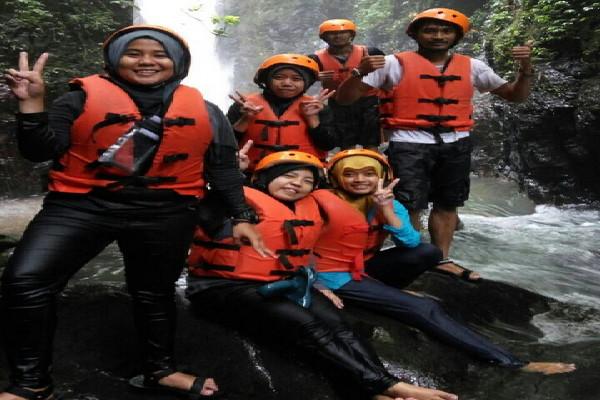 Serunya Body Rafting Curug Naga Puncak Bogor