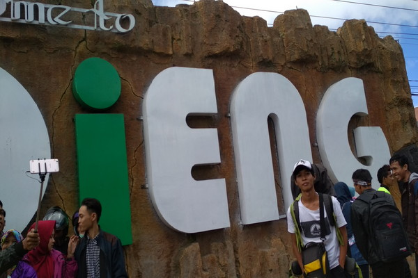Solo Backpacker Ke Dieng