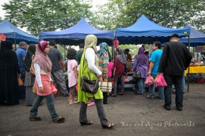 You Know Which Are The Popular Stalls Among The Locals By Noting The Customer Queue