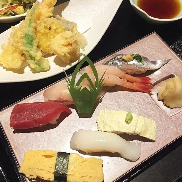 昼から食い過ぎ。もちろん仕事です#奴寿司 #奴寿司華月