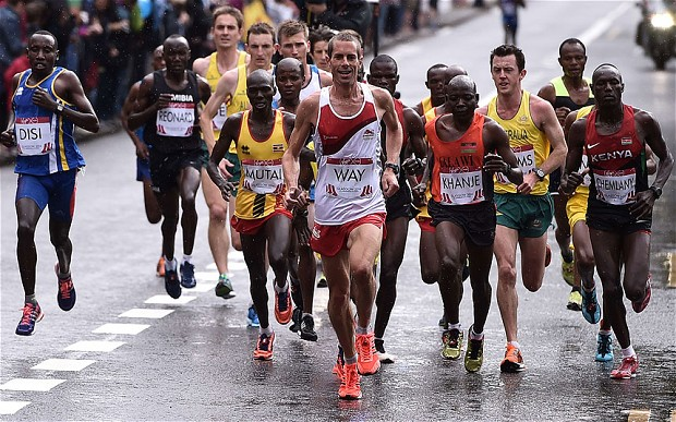 Steve Way had 'good fun' leading a world-class field early in the marathon in Glasgow. (PHOTO/AFP)