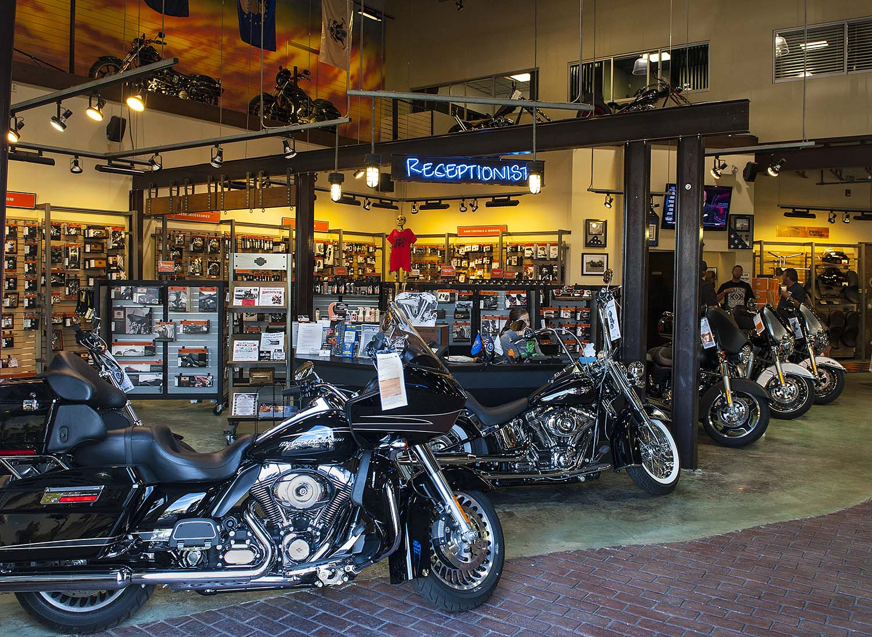 Quaid Temecula Harley-Davidson – Ken Cox Photography