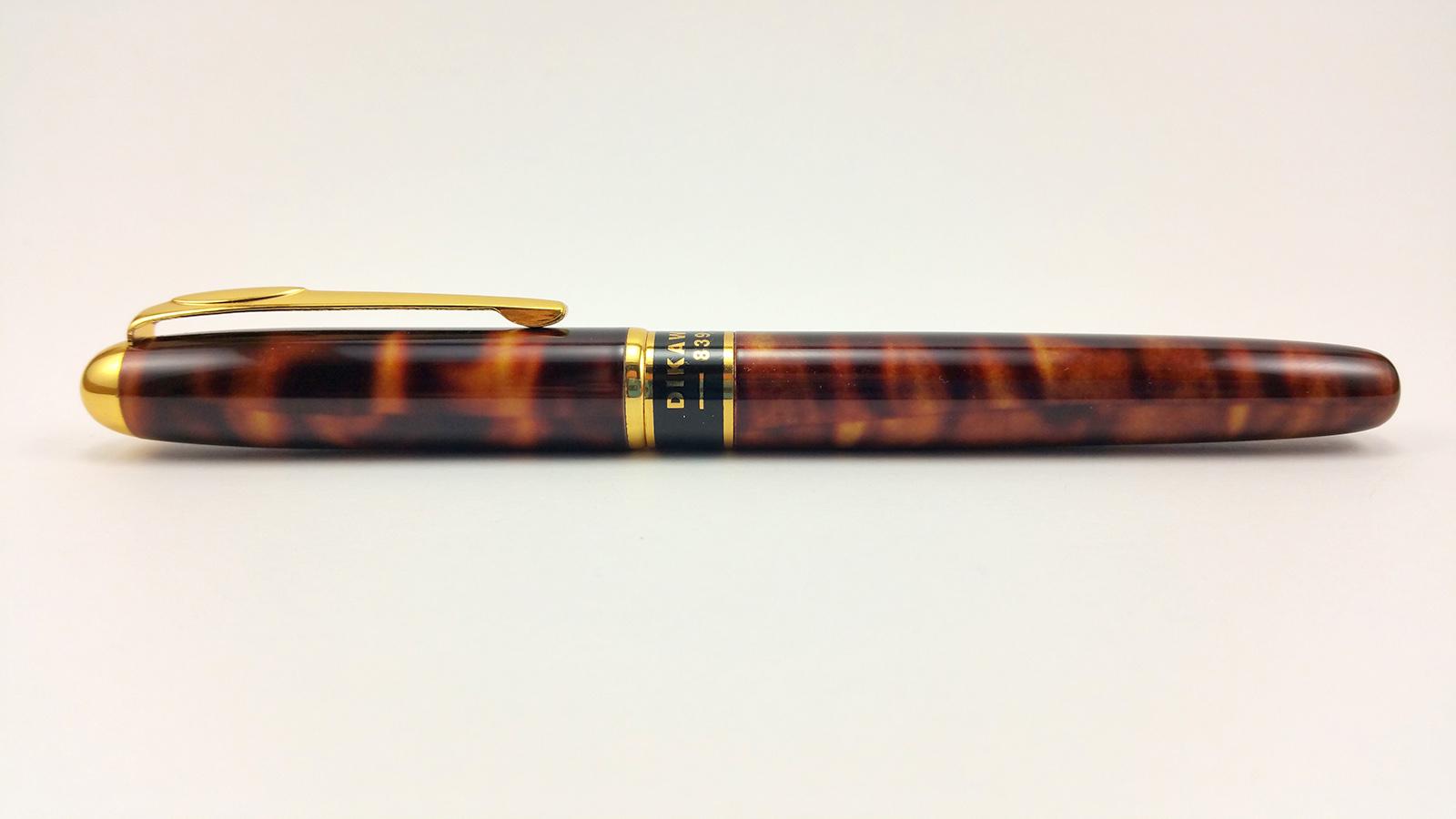 Dikawen 839 Fountain Pen Capped