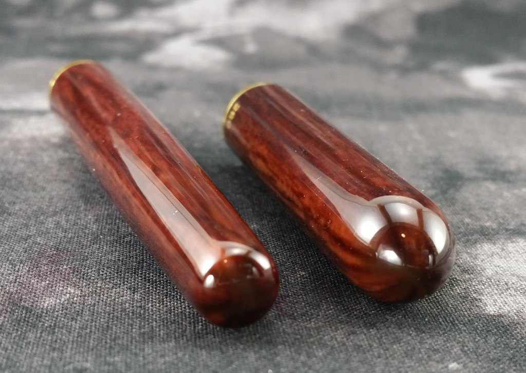 The ends of the barrel and cap of the Lanbitou 280 Fountain Pen - there is no finial or end cap, just rounded ends