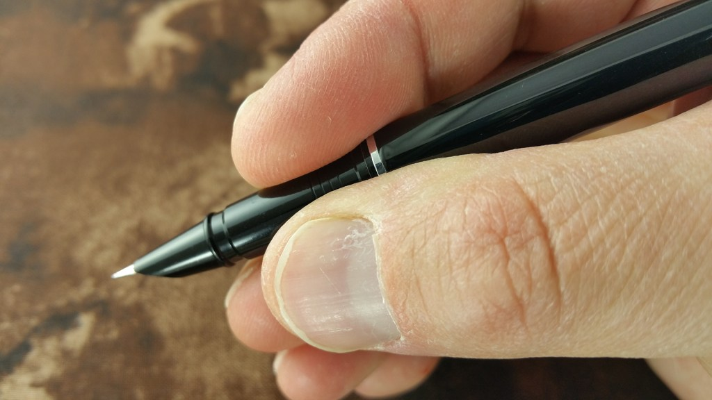 Holding the Jinhao 3005 Fountain Pen in writing position