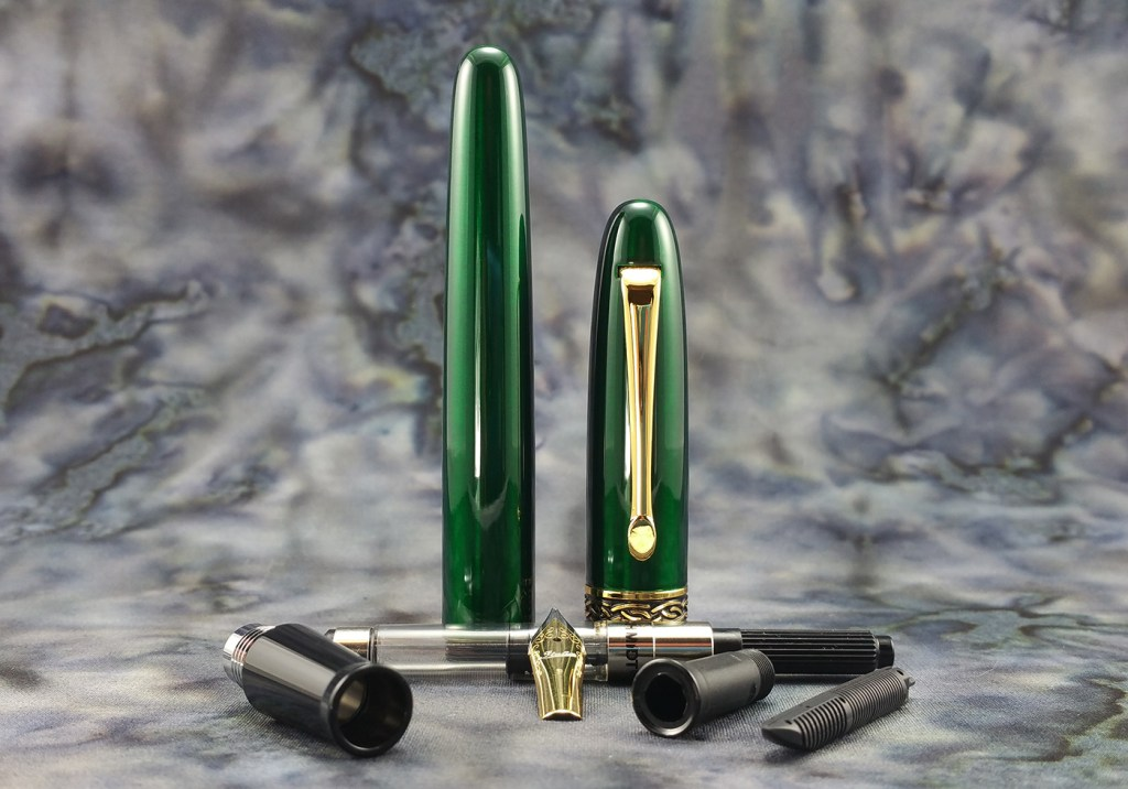 Italix Parson's Essential Fountain Pen, completely disassembled (barrel, cap, converter, section, nib, collar, feed)