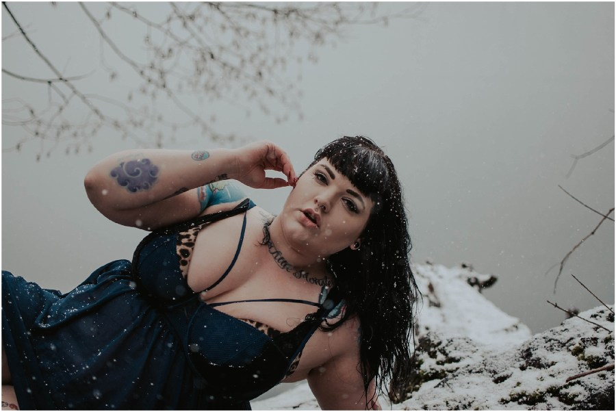plus-size-pineup, plus-size-boudoir, boudoir, boudoir-photographer, boudoir-photography, boudoir-photos, boudoir-session, boudoir-photoshoot, snowy-boudoir, rattlesnake-lake, outdoor-snow-boudoir, snow-boudoir, outdoor-boudoir, boudoir-inspiration, tatted-girls,