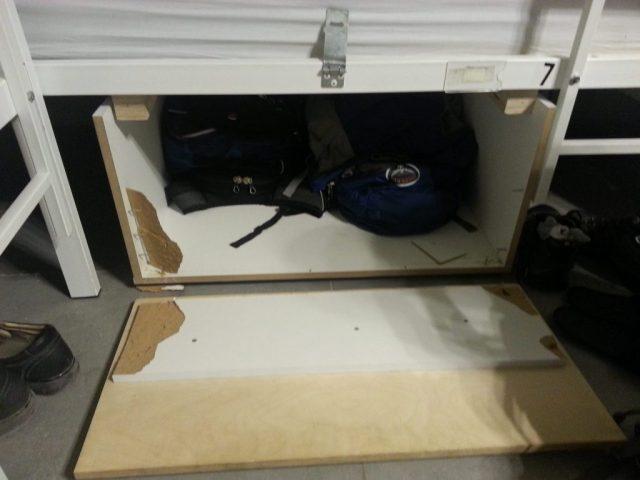 broken-hostel-locker