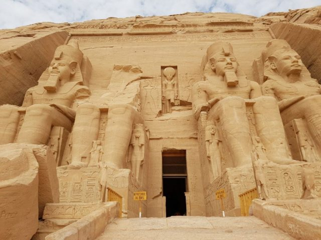 entrance-to-abu-simbel
